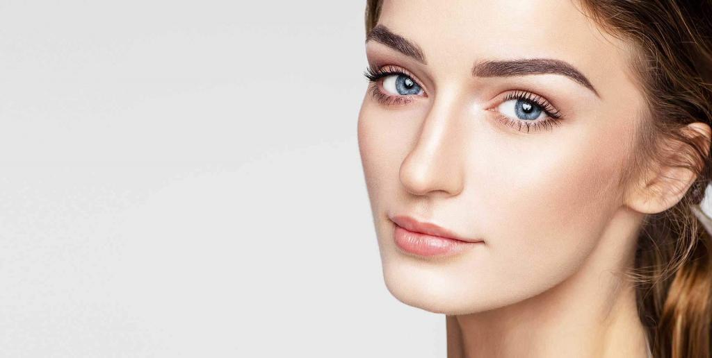 beauté du regard visage yeux femme maquillage