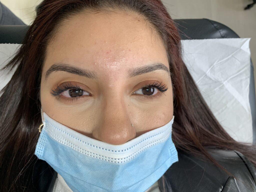 Maquillage permanent des sourcils – Microshading